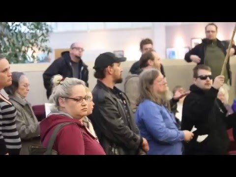 fascist goons invade Gresham city counsel meeting in force