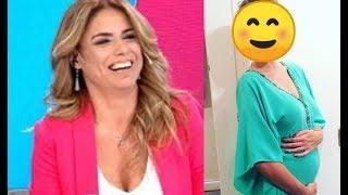 Con dos pistas, Marina Calabró confirmó el embarazo de una mega famosa