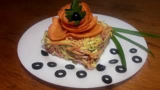 Салат с яичными блинчиками и колбасой Очень вкусный салат с корейской морковкой и блинами