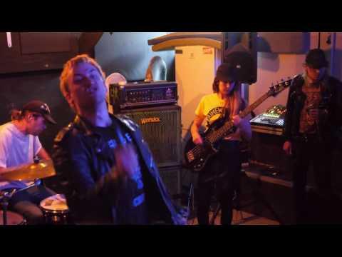 Löss, live at Varholmsgatan