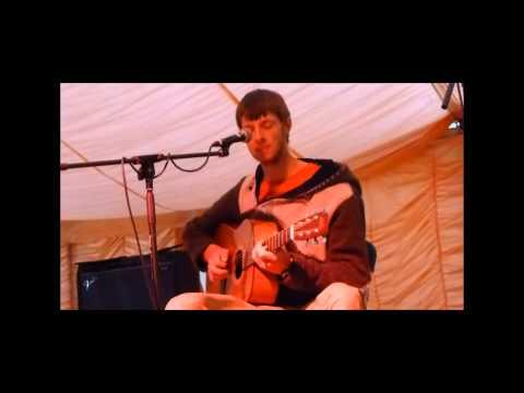 Ethan Thomas plays Beverley Folk Festival 2013