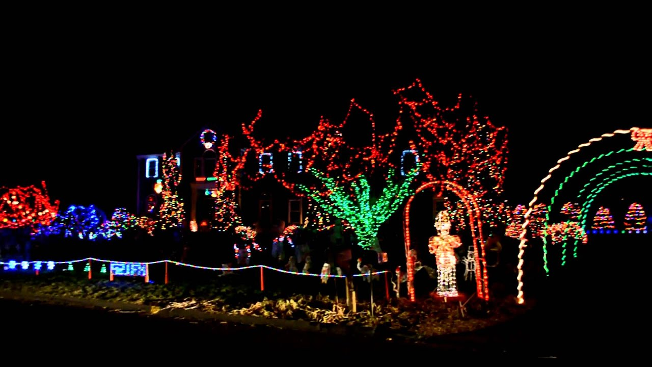 Christmas Light Show to Trans Siberian Orchestra - Tracer - YouTube