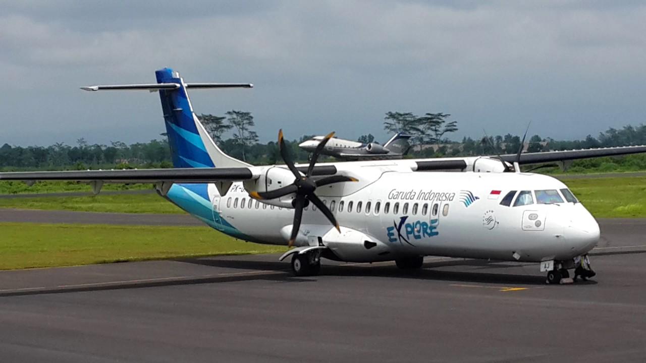 Take off CL604 disusul Garuda Indonesia di Bandara ...