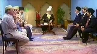English Mulaqaat (Meeting) on July 9, 1995 with Hazrat Mirza Tahir Ahmad (rh)