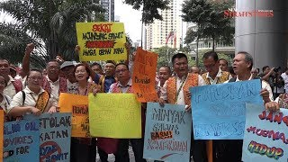 Crop apartheid: Smallholders hold protest against EU move to ban palm oil
