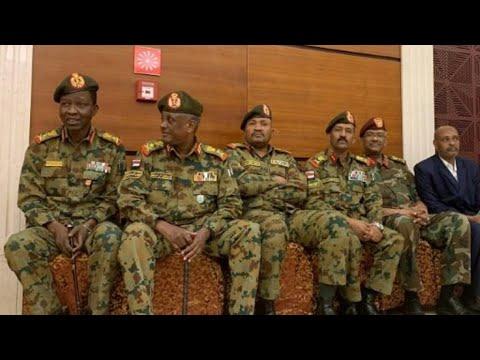 تأجيل المفاوضات بين قادة الاحتجاجات والمجلس العسكري في السودان  - نشر قبل 2 ساعة