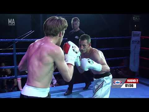 Ultimate Boxing 25 - Ryan Henley vs Andy Maxwell
