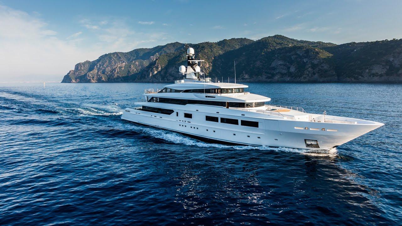marins milliardaires l univers tr s ferm des yachts de luxe youtube. Black Bedroom Furniture Sets. Home Design Ideas