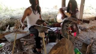 hmong funny drum(yog ntuj tsis tig)