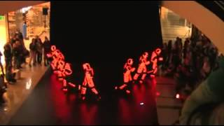 Incredibile Show Dance di luci - Flashmob in Mall