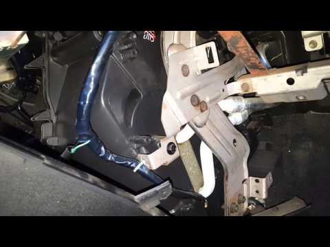 How To Replace Nissan Quest Blend Door Actuator Youtube