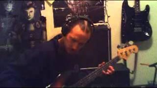 cheap bass guitar vs expensive bass