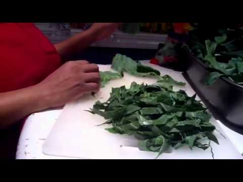 HOW TO CUT COLLARD GREENS