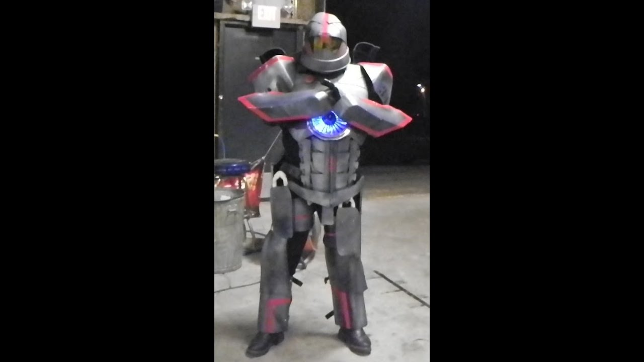 Car Toys My Gipsy Danger Costume Build - Youtube