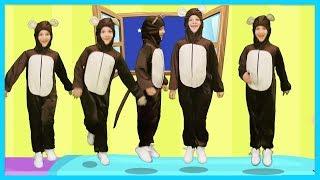 5 Küçük Maymun Yatakta Zıplamış - Bebekler ve Çocuklar için Eğlenceli Şarkılar