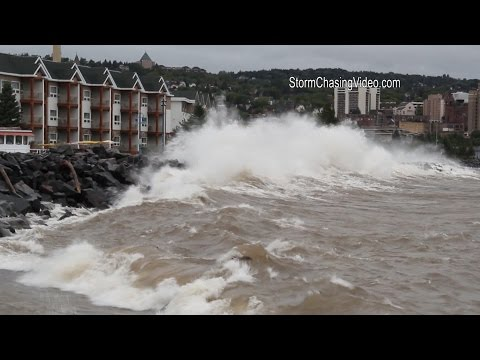 9/10/2014 Duluth, MN Lake Superior Gale Warning Huge Waves - B-Roll