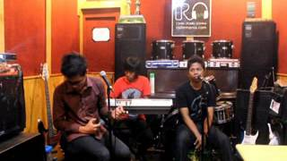 DOVA Band in Indie Sounding Band Indie Radio Online [IRO]