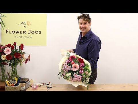 How To Make A Traditional Mixed Mother's Day Bouquet