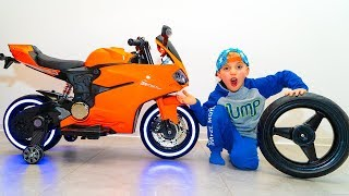 TiSha and Daddy Ride on Toy Sportbike & pretend play with toys.
