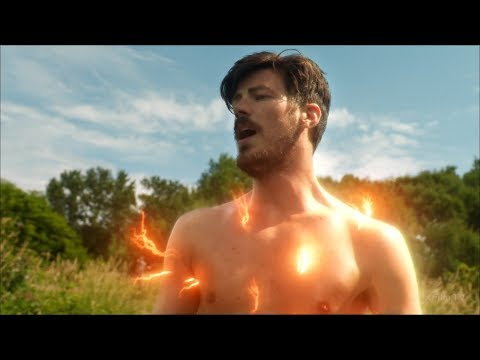 Барри Аллен возвращается из Силы Скорости | Флэш (4 сезон 1 серия)