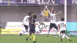 FKのチャンスから相手GKがこぼしたボールを谷口 彰悟(川崎F)が押し込...