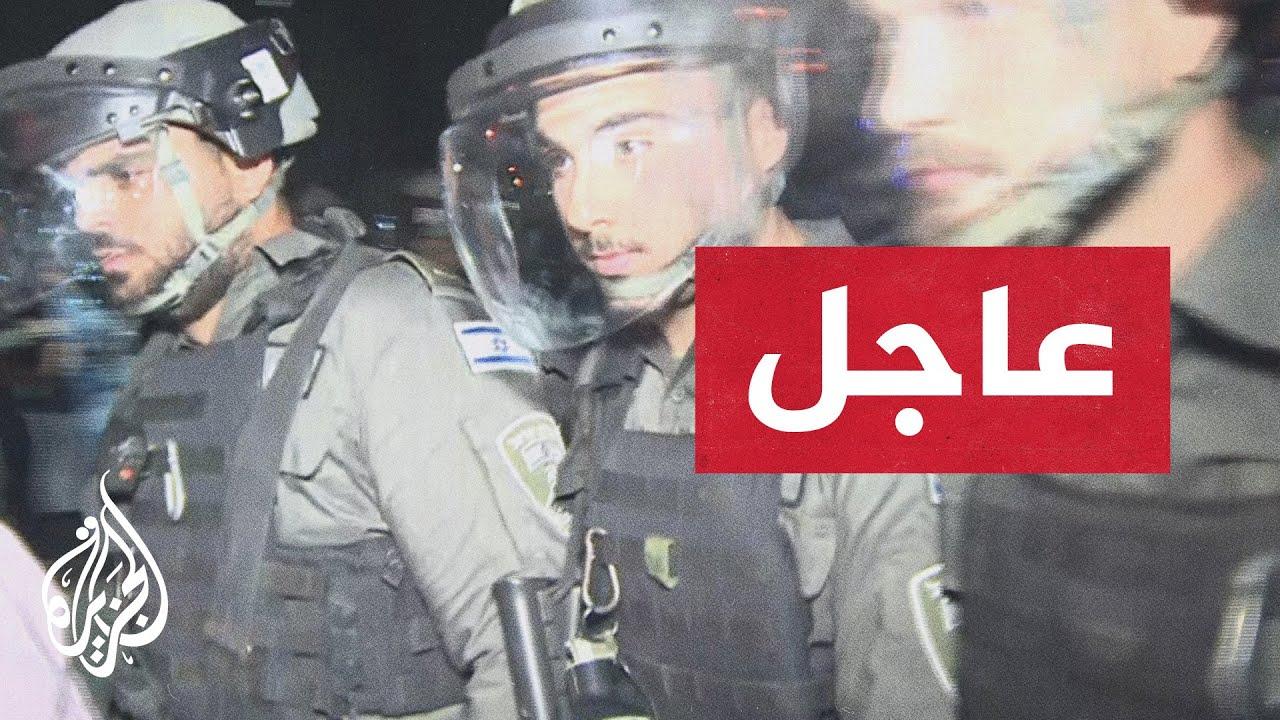 قوات الاحتلال الإسرائيلي تعتدي على مصور الجزيرة وائل السلامية خلال عمله في الشيخ جراح  - نشر قبل 8 ساعة