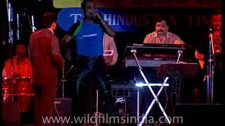 Abhijeet Bhattacharya sings 'Chand Tare Tod Lau'