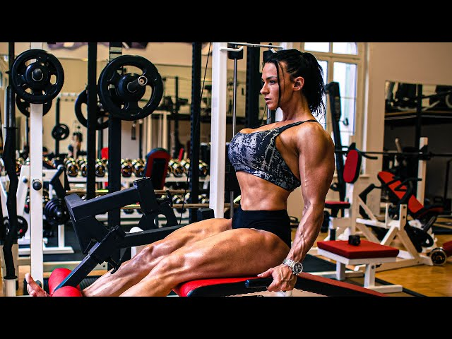 Intense Leg workout | Build thick thighs with Cindy Landolt