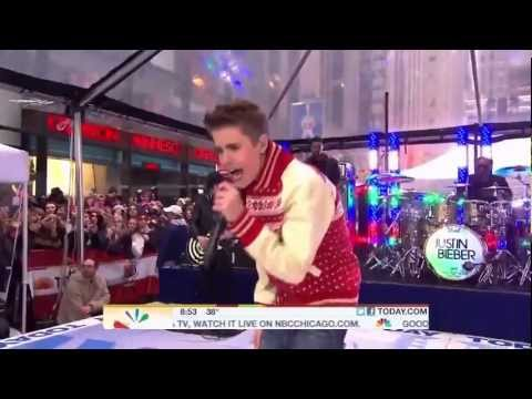Justin Bieber - Santa Claus Is Coming To Town Live Today Show