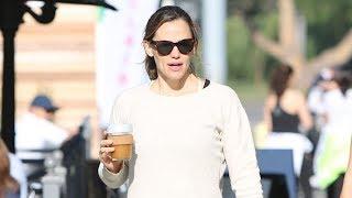 Jennifer Garner Hilariously Responds When Asked If Pregnancy Rumors Are True