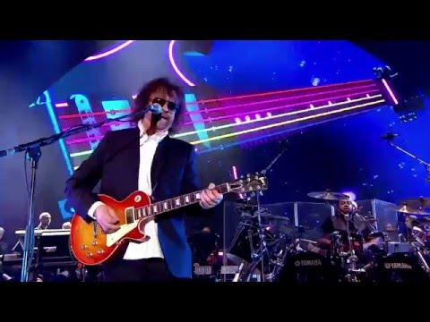 JEFF  LYNNE'S & ELECTRIC  LIGHT ORCHESTRA- Live at Hyde Park 2014 014 Rock 'N' Roll Is King