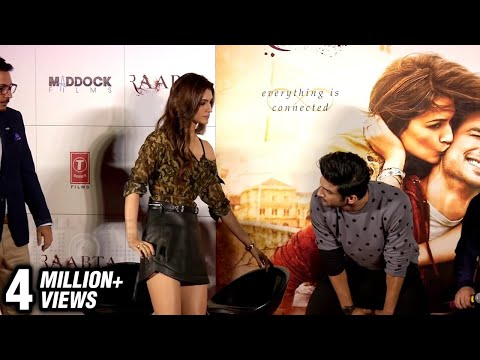 Sushant Singh Rajput Saves Kriti Sanon From WARDROBE MALFUNCTION