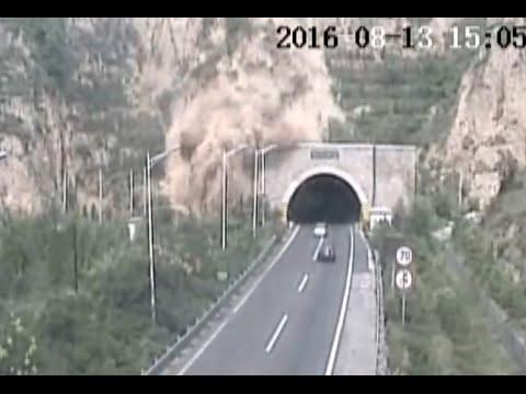Landslide Blocks Tunnel Entrance on North China Highway