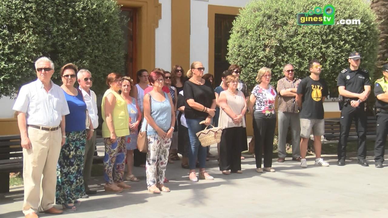 Gines homenajea a M. Ángel Blanco y a las víctimas del terrorismo con una concentración