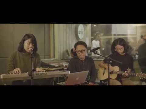 Rayssa Dynta - Ain't It Fun (Paramore Cover) [Live at OZ Radio Jakarta]
