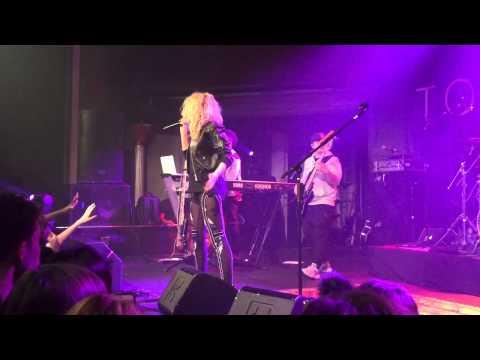Tori Kelly - Anyway (live)