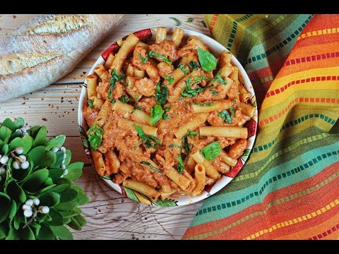 Spicy Shrimp Pasta // How To Make Spicy Shrimp Pasta With Creamy Garlic Tomato Sauce