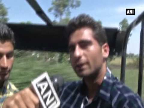 Paramilitary force takes tourists for border tour in Kashmir