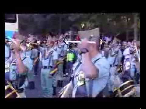 VIDEO  DE LA LEGION  Y SU BANDA DE MUSICA EN EL DESFILE DE LAS F.F.A.A.2013.