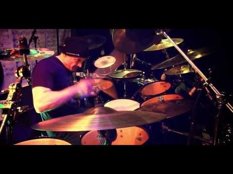 MICHAEL KOCAB / GLENN PROUDFOOT / VIRGIL DONATI / BILLY SHEEHAN - Praying (Official Video)