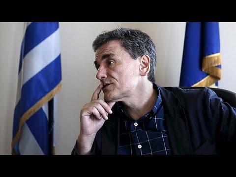 """Quasi """"union nationale"""" en Grèce en vue des négociations avec l'UE"""