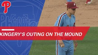 Phillies shortstop Kingery makes pitching appearance
