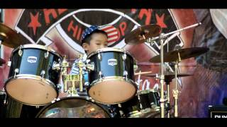 christopher-eric-wang-solo-drum-hari-baik