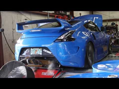 500hp+Twin Turbo Nissan 370z on the dyno (female driven)