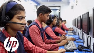 Driving Digital Literacy Across India | World on Wheels | HP