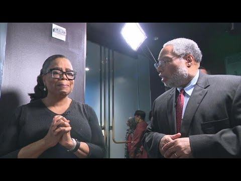 Oprah Winfreys emotional first look at Watching Oprah Smithsonian exhibit