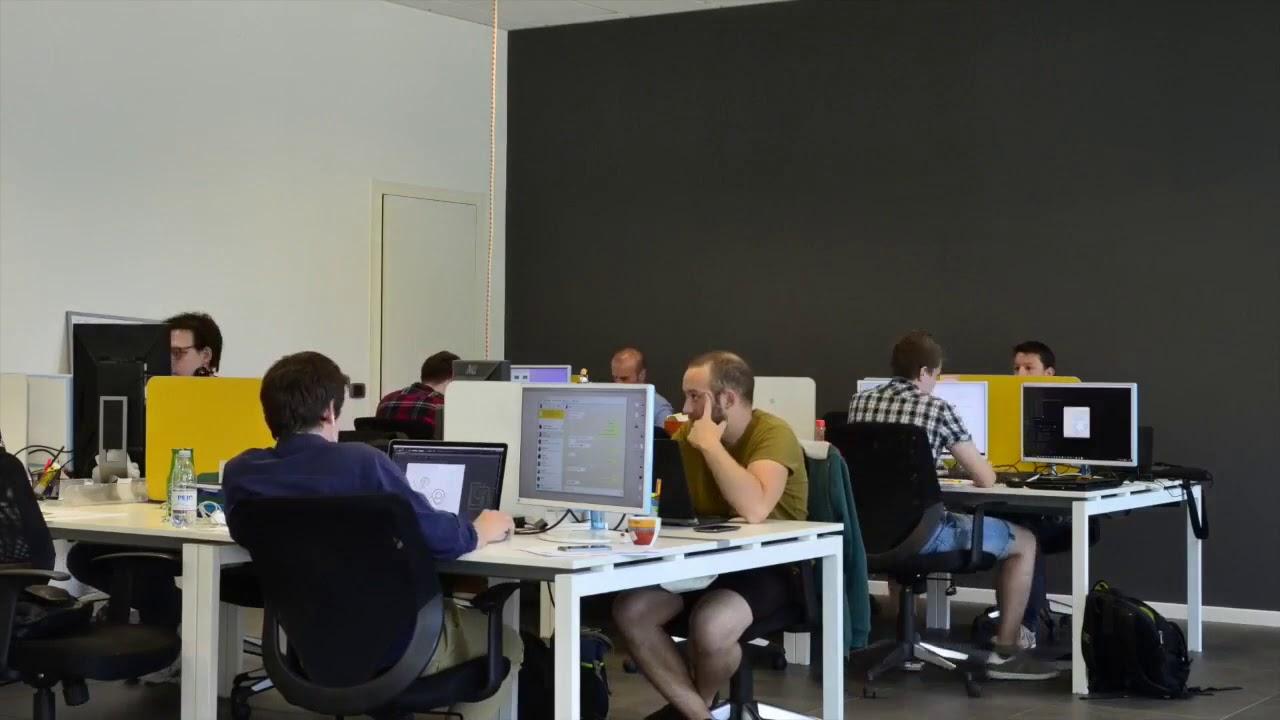 Видео фон для сайта   Офис веб студии   rowpost com1