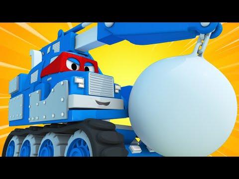Truck videos for kids -  The DEMOLITION CRANE - Super Truck in Car City !