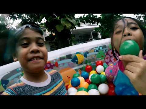 Unboxing Kolam Renang Anak Balita MANDI BOLA - Kids Playing Swimming Pool  TheRempongs