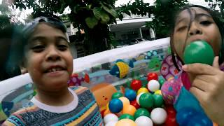 Unboxing Kolam Renang Anak Balita MANDI BOLA - Kids Playing Swimming Pool | TheRempongsHD